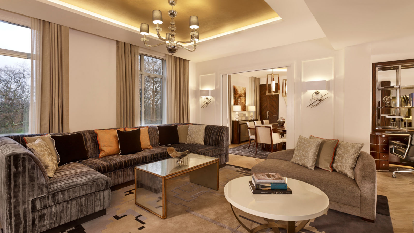 Luxury Hotel Suite in London