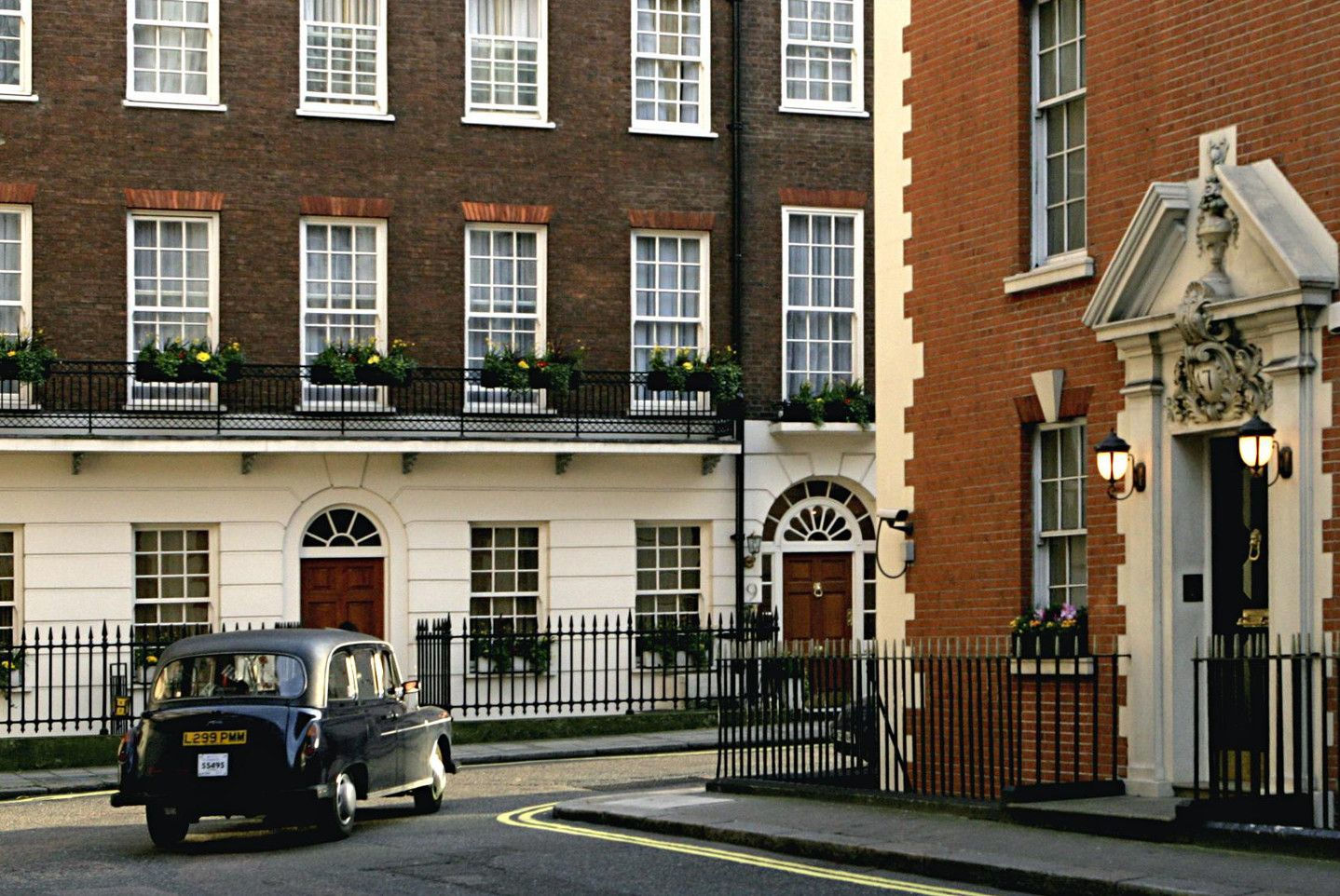Hotel london mayfair with exclusive shopping near to Bond Street